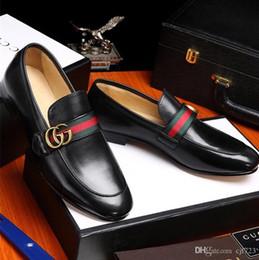zapatos de vestir para hombre con punta de ala Rebajas 19ss zapatos casuales para hombre punta de ala de cuero negro vestido de boda formal derby oxfords zapatos planos brogues zapatos para hombres