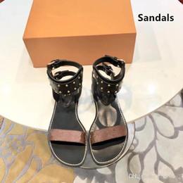 Sandali da gladiatore 35 donne online-Nuove donne stampa sandalo in pelle Striking Gladiator Style Designer Suola in pelle Perfect Flat Canvas Plain Sandal Size 35-44