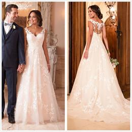 Elegant Lace A Line Vestidos de novia 2019 V cuello tul Apliques Corte tren Boda Vestidos de novia con botones desde fabricantes