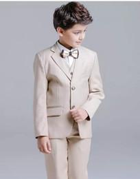 Champagner Jungen Formale AnlässeTuxedos Notch Revers Zwei Tasten Center Vent Kinder Hochzeit Smoking Kind Anzug (Jacke + Hose + Tie + Weste) von Fabrikanten