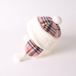 Bonnet Lei Feng de couleur hiver pour enfants à carreaux et velours Bonnet  chaud d hiver pour enfants de 2 ans 63123ef9b65