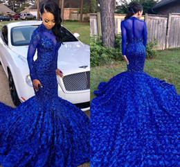 par de vestir Rebajas Lujo Royal Blue 2019 Black Girls Sirena Vestidos de baile Cuello alto Mangas largas Con cuentas Flores Fiesta de baile Vestidos de noche