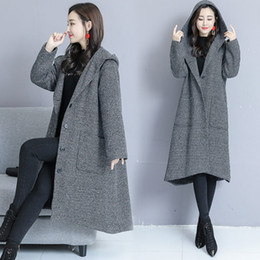 Chaquetas y abrigos de otoño para mujer de talla grande 2019 Abrigo de lana gris con capucha suelta informal Estilo de capa coreana Cazadora Outwear f1559 desde fabricantes