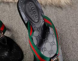 Sandali piatti in pelle nera donna online-2019 moda Sandali infradito Francesco in pelle morbida da uomo e da donna, spiaggia scivolata causale, sandali 36-45
