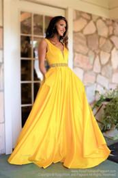 959f42d9d8c8 vestiti eleganti lunghi gialli Sconti Abiti da sera gialli semplici Abiti  lunghi da celebrità con scollo