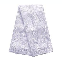 Laço francês branco 3d on-line-Últimas Tecido Lace Africano suíça 2019 Branco Azul 3d Francês Fabric Tulle Lace alta qualidade nigeriana Tecido material do laço