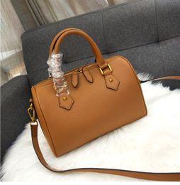 362bb46c73 2019 nuovi modelli di borse in pelle New Fashion 35CM borsa a tracolla a  mano in