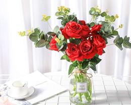 decorazione candela rossa Sconti Artificiale fiori Rose di seta falso bouquet da sposa per la decorazione floreale del partito del giardino di casa