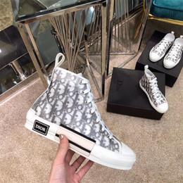 Zapatos de baloncesto de diseño online-Zapatos B23 tenis de corte alto Dior X kaws por Kim Jones con la moda del diseño clásico oblicua impresión de logotipos mujeres de los hombres de baloncesto de zapatos del patín