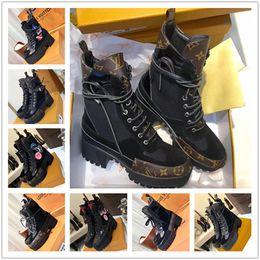 Laureate Platform Desert Boot Womens Designer Chaussures De Mode Marque De Luxe Marque Martin Bottes En Cuir Surdimensionné Cheville Bootie Gros Talon Bottes De Randonnée ? partir de fabricateur
