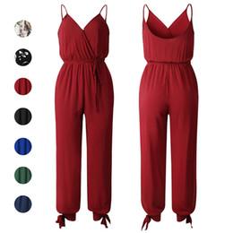 Mono negro verano online-Corbata Cintura Jumpsuit Cuello En V Sin espalda Camis Siameses Trouses Bow Split Pantalones Verano Mujer Ropa Floral Negro Rojo 220154