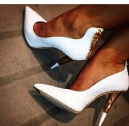 Sapatos brancos para noivas on-line-Prego de couro branco peixe de salto alto do salto alto feminino designer de grife PROM vestido sapatos para o casamento sapatos de noiva