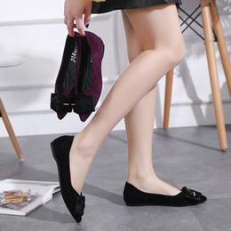 7461ad2ee Mulher Sapatos de Camurça Flats Loafers Fivela Apontou Toe Slides Rasa  Deslizamento em Sapatos de Moda Flats Zapatos Mujer Preto Vinho Tinto à  venda sapatos ...