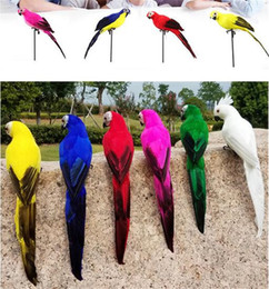 2019 ornamenti da giardino uccelli 25 / 35cm Handmade Simulazione Pappagallo Creativo Feather Lawn Figurine Ornament Bird Bird Garden Prop Decorazione ornamenti da giardino uccelli economici