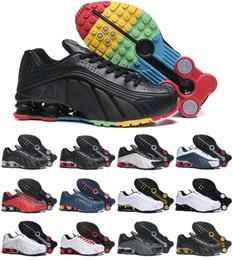 brand new 50ee0 b8b8c 2019 Nouveau Design Original Shox DELIVER R4 Hommes Chaussures Pas Cher  Chaussures OZ NZ 301 Baskets Noir Blanc Augmenté Air Cushion Zapatillas  Chaussures