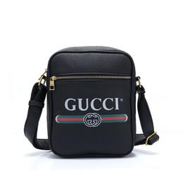 tendances du sac pour homme Promotion Mens Designer Sac à main de luxe Mesdames Femmes Mode Marque Banane Cross Body Bag Nouvelle Tendance Fannypack gros B100417X