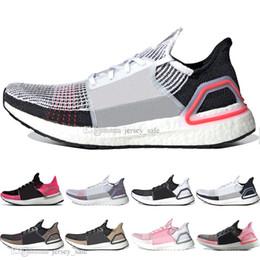 Zapatillas de running 2019 Ultra Boost 19 Laser Red Refract Oreo para hombre. desde fabricantes