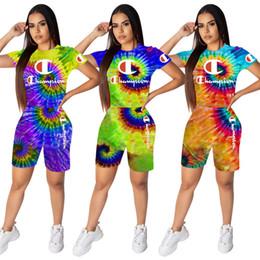 Agujeros del traje online-Campeones Mujer Chándales Camiseta con efecto tie-dye y Pantalones cortos de motorista Trajes de dos piezas Diseñador de la marca 3D Agujero negro Ropa deportiva Body C62704