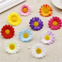Gänseblümchen handwerk online-LOT 10PCS 4cm Sonnenblume-künstliche Blumen-Kopf-DIY handgemachte Fertigkeiten Zubehör Mini Gerbera Gefälschte Blumen-Geschenk-Kasten-Dekor