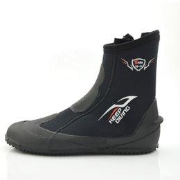 Zapato de invierno frío online-BUCEO 5 MM Botas de neopreno para submarinismo Zapatillas de agua Vulcanize Invierno A prueba de frío Alta Cálido Aleta Cazadora Pesca submarina Snorkel