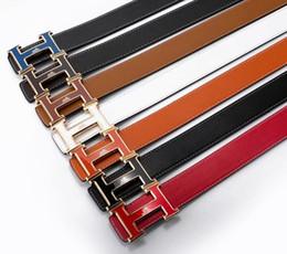 Großhandel Herrenmode Marke Ledergürtel hohe Qualität weichen Ledergürtel für Männer und Frauen retro Marke Metall Gürtelschnalle von Fabrikanten