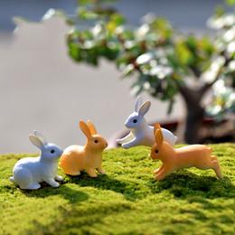2019 figurine in miniatura di fate da giardino 24 Pz / lotto Mini Coniglio Ornamento Da Giardino Simpatico Miniatura Figurine Vaso Da Fiori In Resina Fata Resina Dipinto A Mano Mini Animale Fata Giardino Decor figurine in miniatura di fate da giardino economici