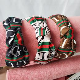 2019 acessórios florais china Carta de tendência Impresso Headband Boate Headband Das Mulheres Selvagens Simples Ao Ar Livre Casa Designer Prático Headband Frete Grátis