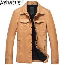 AYUNSUE Vintage Giacca in pelle da uomo Cappotto in pelle di pecora Autunno Coreana Giacca in pelle moto gialla e cappotti DK102 KJ2431 da