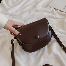 free flip cell phones Promo Codes - 2019 free shipping handbags fashion retro leather one-shoulder flip buckle buckle bag diagonal package handbag