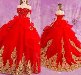 Le ragazze rosse dimettono 14 abiti di sfera online-2018 Red Off Shoulder Abiti Quinceanera Appliques di Pizzo Sfera di Cristallo Abito Lungo Dolce 16 Ragazze Partito Abiti di Promenade Plus Size Personalizzato