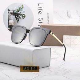 2019 rückspiegelgläser Womens Fashion Designer Sonnenbrillen Luxus Sonnenbrillen Adumbral Brille Uv400 Modell 9011 5 Farben Optional Hohe Qualität Mit Box