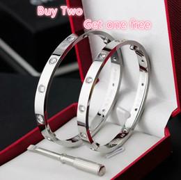 2019 love couple bracelet Bracelet en or rose avec amour en acier inoxydable 316L à diamants blancs quelques modèles de modèles promotion love couple bracelet