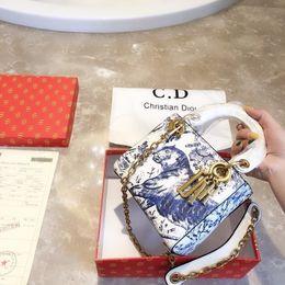 2019 высококлассные дизайнеры сумочек 2019 новые женские дизайнерские сумки сумки мода высокого класса атмосфера высшего качества Нежный шарм размер 18 * 15 см любой матч дешево высококлассные дизайнеры сумочек