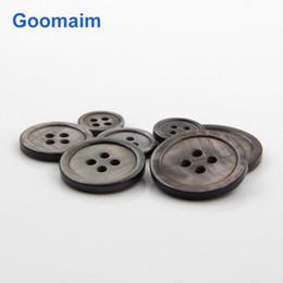 300 pc / lotto bottoni di madreperla nera colore naturale 10-12,5 mm di moda per i jeans cucito 4 fori mens portano pulsanti per i vestiti per bambini maglieria da