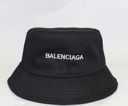 бумажные колпачки оптом Скидка Модельер письмо ведро шляпа для мужчин женщин складные шапки черный Рыбак пляж солнцезащитный козырек широкополые шляпы складной дамы котелок Cap