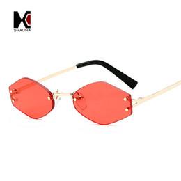 2019 lentes de lentes vermelhas atacadistas Atacado Moda Sem Aro Mulheres Diamante Afiada Óculos De Sol Homens Populares Limpar Lente Vermelha Shades UV400 desconto lentes de lentes vermelhas atacadistas