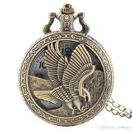2019 collar de alas de águila Vintage Hollow Eagle Wings Design Hombres Mujeres Reloj de bolsillo antiguo de cuarzo con collar de bronce Cadena fresca reloj colgante para niños rebajas collar de alas de águila
