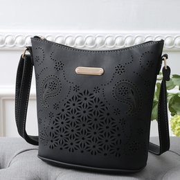 Canada Sac à main en cuir pour femme Satchel Cross Body évider sac à bandoulière Messenger Bag BK cheap bk leather Offre