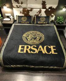 Pés de veludo on-line-Wholesale-Home têxteis colcha fronha conjuntos quente macio Luxo De veludo De Cristal de algodão original Marca clássico Set para 5/6/6.6 pés cama