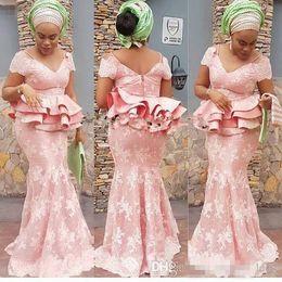 pizzo usura stile nigeriano Sconti Glamorous Aso Ebi Styles Mermaid Evening Party Gowns con Peplo 2019 Blush Pink Lace manica lunga Nigerian Prom Abiti convenzionali