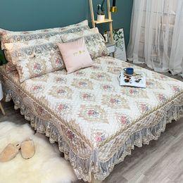 Copriletti in pizzo bianco online-Nuovo lusso bianco stile europeo biancheria da letto in pizzo set 3 pz jacquard copriletto lenzuolo biancheria da letto federe dimensioni può essere personalizzato