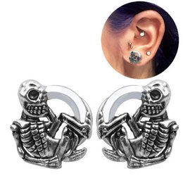 helix piercing jewelry Promo Codes - MODRSA 1Pair Skeleton Ear Plug and Tunnels Skull Stainless Steel Earring Expender Gauge Helix Tragus Piercing Oreja Body Jewelry