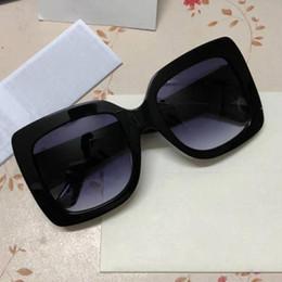 2019 moda óculos grandes quadros Marca óculos de sol das mulheres de cristal brilhante design quadrado moda big frame óculos de sol senhora óculos de sol uv400 lente com case desconto moda óculos grandes quadros