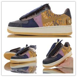 Donne con le scarpe da ginnastica online-Travis Scotts x 1s forzate Skateboard scarpa da corsa Multi cuciture colore Zipper Suede migliore del Mens del progettista delle donne di pallacanestro sneaker