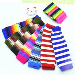 Baby knie winter socken online-INS Baby-Bein-Wärmer-Socken Rainbow Color Gestreifte Knieschutz für Kinder Knit Fußwärmer Jungen-Mädchen-Winter-Bein-Wärmer Socken 8styles GGA2713