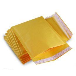 2019 paquete pequeño para el envío Paquete de envío de sellado Kraft Mailer Tamaño pequeño (4.3 * 5.1 pulgadas) Embalaje fácil Bolsas de sobres con relleno de burbujas PE ligeras rebajas paquete pequeño para el envío