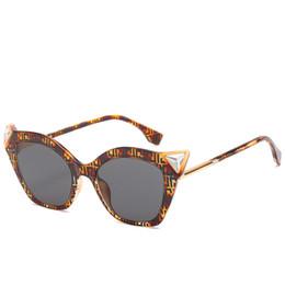 2019 fahrer kostenlos Die Katzenauge-Sonnenbrille der neuen Frauen Männer und Markendesigner-Sonnenbrille-Mode-Kleidungs-Show-Sonnenbrille-Fahrer-Gläser der Frauen geben Verschiffen frei günstig fahrer kostenlos