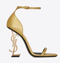Canada TOP Élégant Ligne Boucle Style Exquis Stiletto Talon Sandales Dames Confortable De La Mode Talons Hauts De Mode Designer De Luxe YSL Femmes Chaussures cheap shoes women fashion style Offre