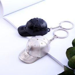 hat keychains wholesale Promo Codes - Trendy Creative Black White Hat Shape Keychains For Men Women Popular Keychain Car Key Ring Bag Wallet Pendant Lovers Jewelry