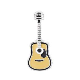 Рок-брошь онлайн-Творческий рок стиль броши гитара брошь свитер декоративные иглы ювелирные изделия эмаль Pin джинсовые куртки воротник значок булавки кнопка